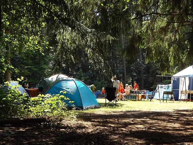 camp-1163419_640